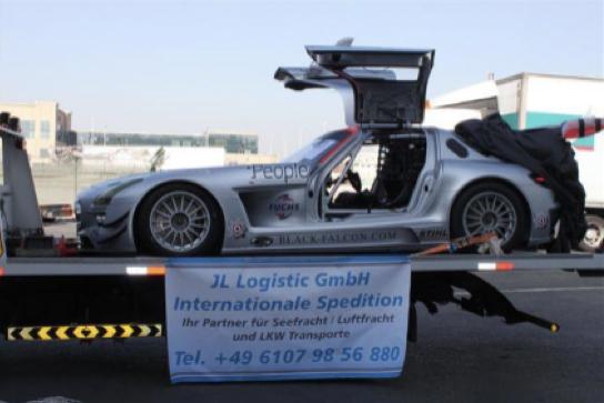 Luftfracht-Transport von drei Mercedes Benz SLS GT3 nach Dubai